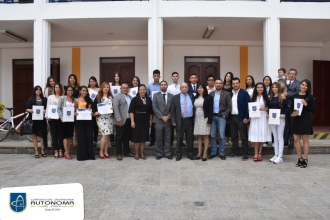 Ceremonia entrega de becas Bruno Mantilla Pinto